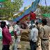 राजगढ़ - गेंहू खरीदी केंद्र पर पहुंचे थाना प्रभारी, केंद्र का निरीक्षण कर ली जानकारी, हम्माल व किसानों को सोशल डिस्टेंस का पालन करने की दी हिदायत