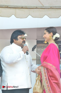 Actress Sonam Kapoor Launch Kalyan Jewellers Anna Nagar Showroom 0009.jpg