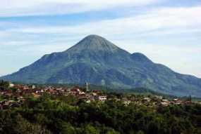 4 Gunung Bagi Yang Memulai Hobi Mendaki Gunung