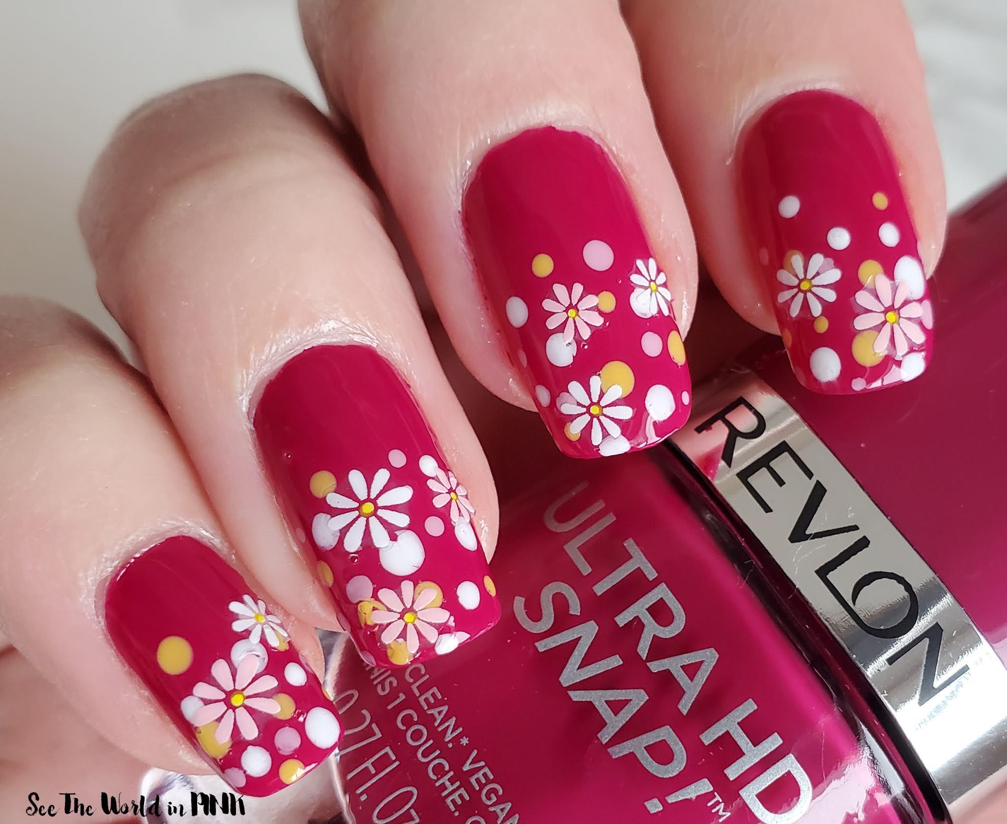 Manicure Monday - Daisy Dotticure Nails