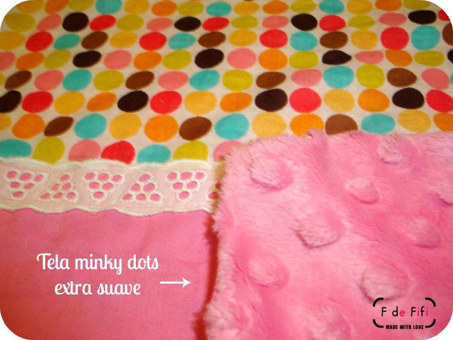Doudou rosa y de lunares, tela minky dots, trapito de apego