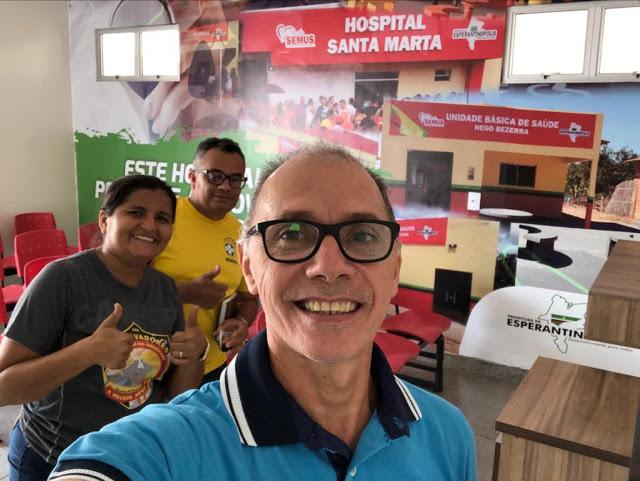 Prefeito Aluizinho acompanhando a limpeza do hospital Santa Marta para inauguração no próximo dia 25 de fevereiro