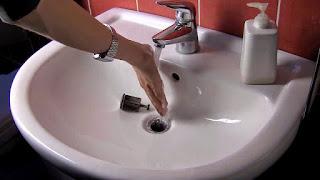 ¿Qué hacer cuando se atasca el lavabo?