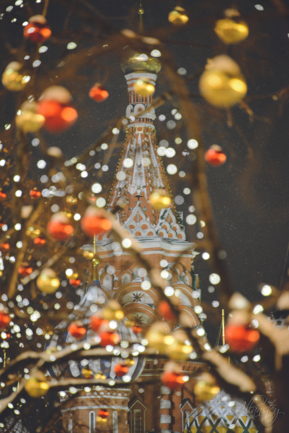 Saint Basil's Cathedral, Christmas holiday decorations bokeh