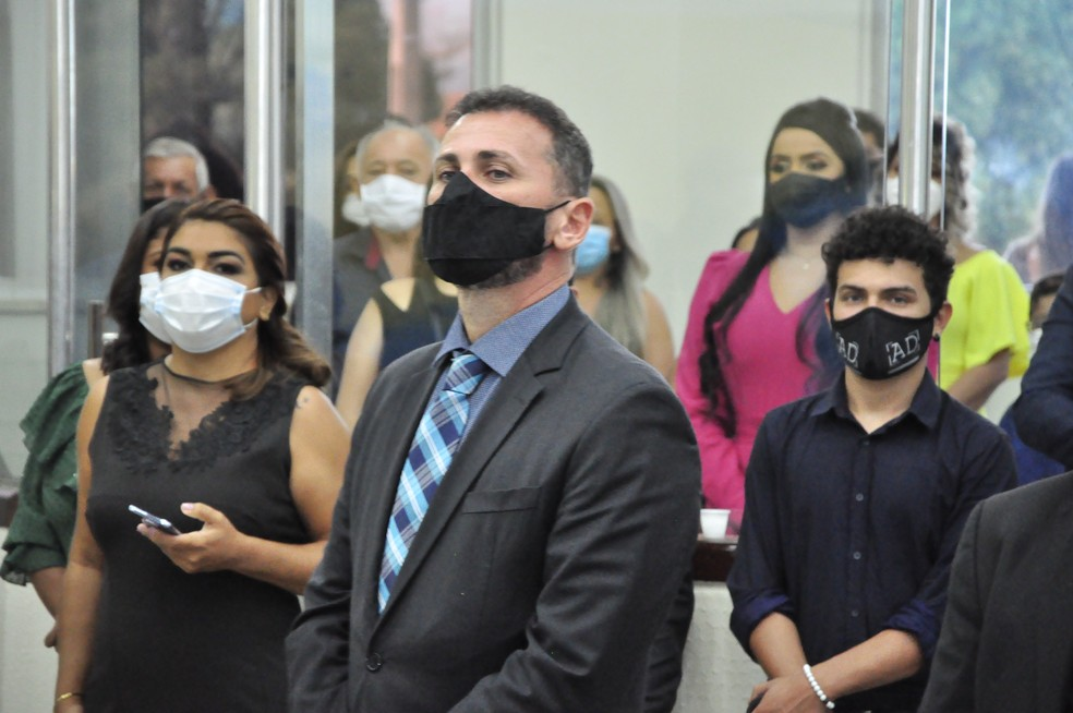 Com parecer favorável do MP, Justiça aprova contas de campanha de vereador do PSL