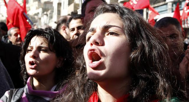 """""""الرجال أكثر صلاحية للسياسة""""... 90% من الناس في العالم لديهم أحكام مسبقة على المرأة"""