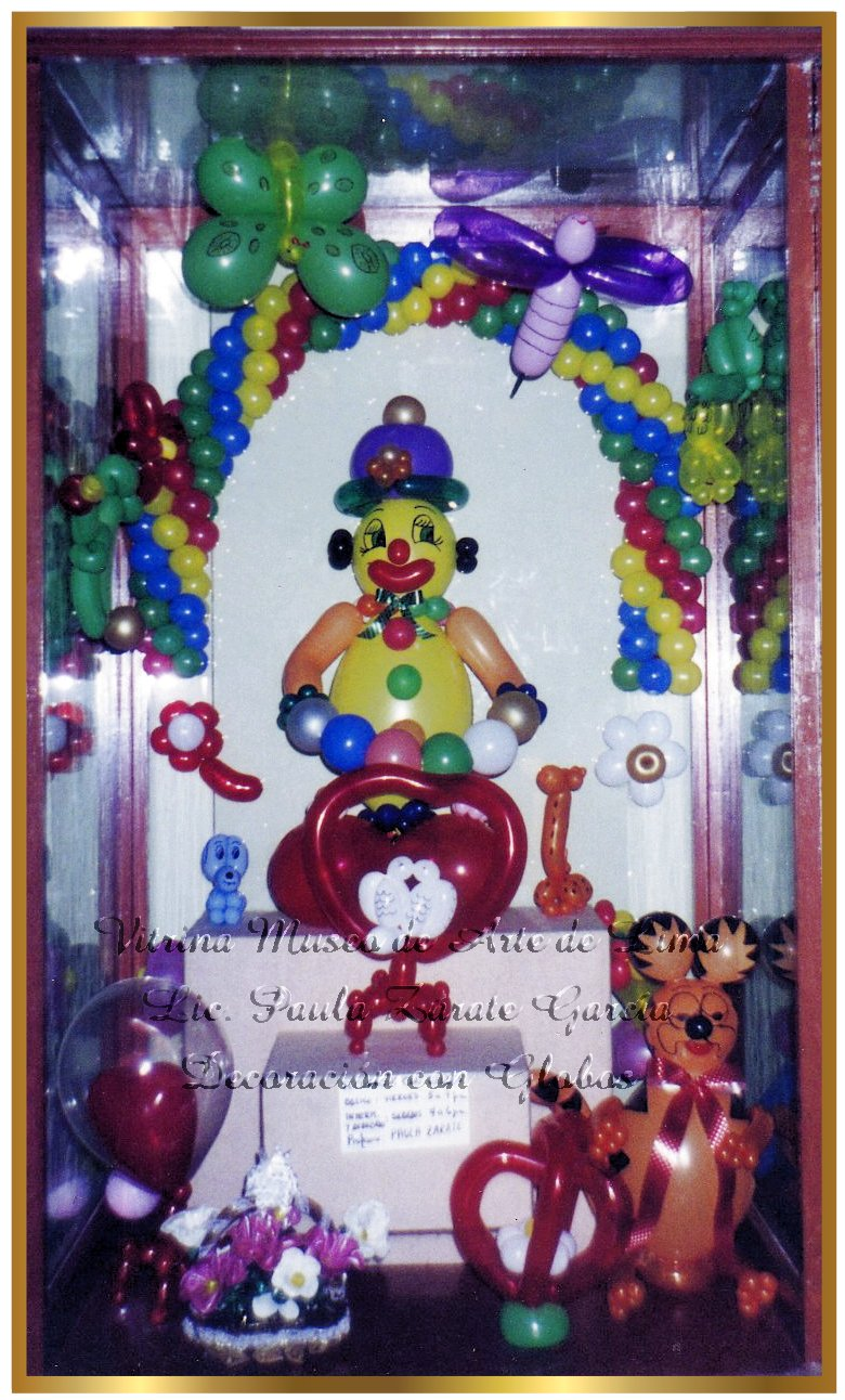 Decorando con globos decoraciones exposiciones vitrinas for Decoracion para vitrinas