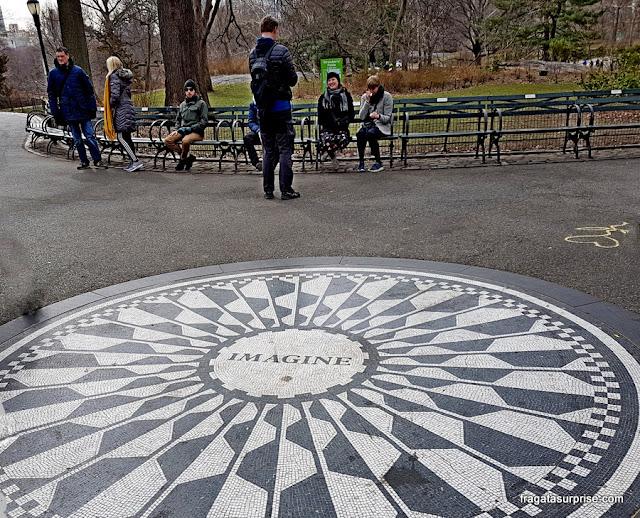 Strawberry Field, recanto dedicado à memória de John Lennon no Central Park, Nova York
