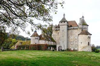 Ailleurs : Château de Villemonteix, joyau architectural médiéval, réinvention du XVIIIème siècle et restauration contemporaine - Saint-Pardoux-les-Cards