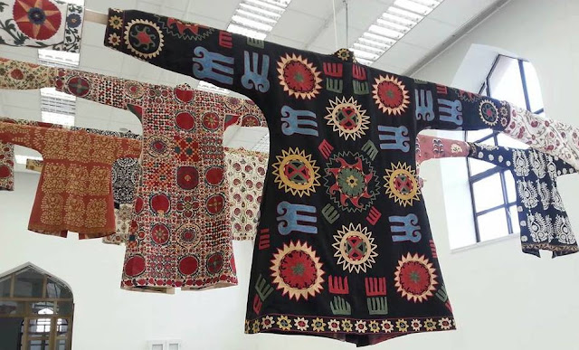 uzbekistan suzani embroidery exhibition, uzbekistan small group tours, uzbekistan art craft textile tours