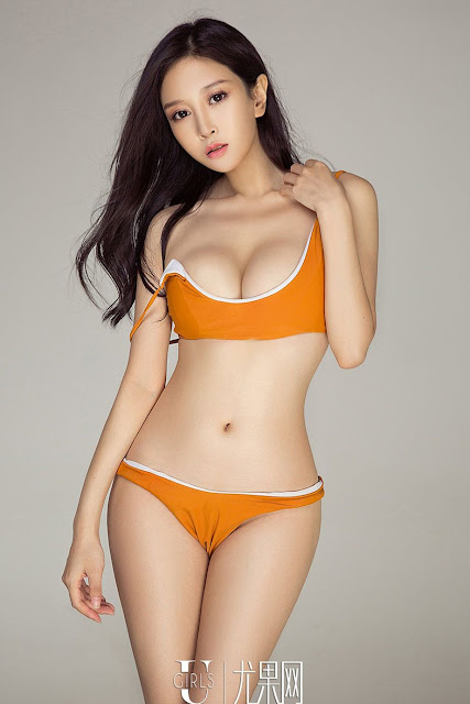 Hot and sexy photos of beautiful busty asian hottie chick Chinese booty model Pea Princess photo highlights on Pinays Finest Sexy Nude Photo Collection site.