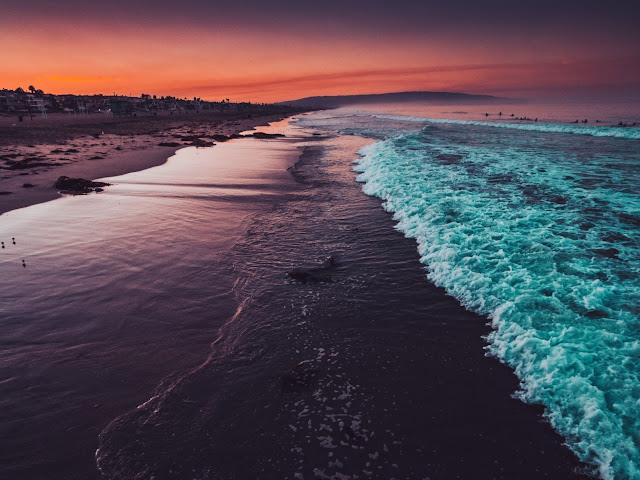 Manhattan Beach Photo by Xan Griffin on Unsplash