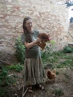 Risultati immagini per caterina regazzi con gallina