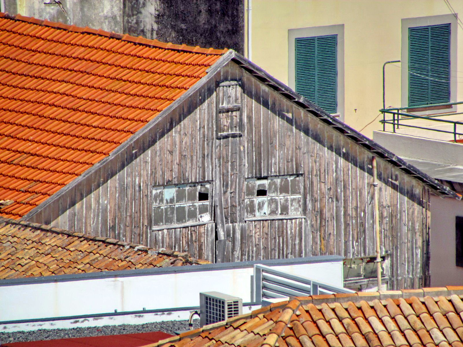 an old, old building in Funchal