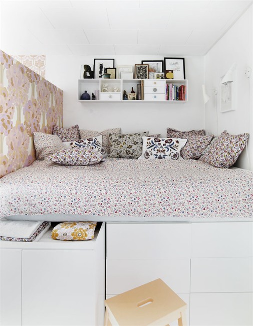 Bright home stylish small experimenting with design - Diy bunk beds for small rooms ...