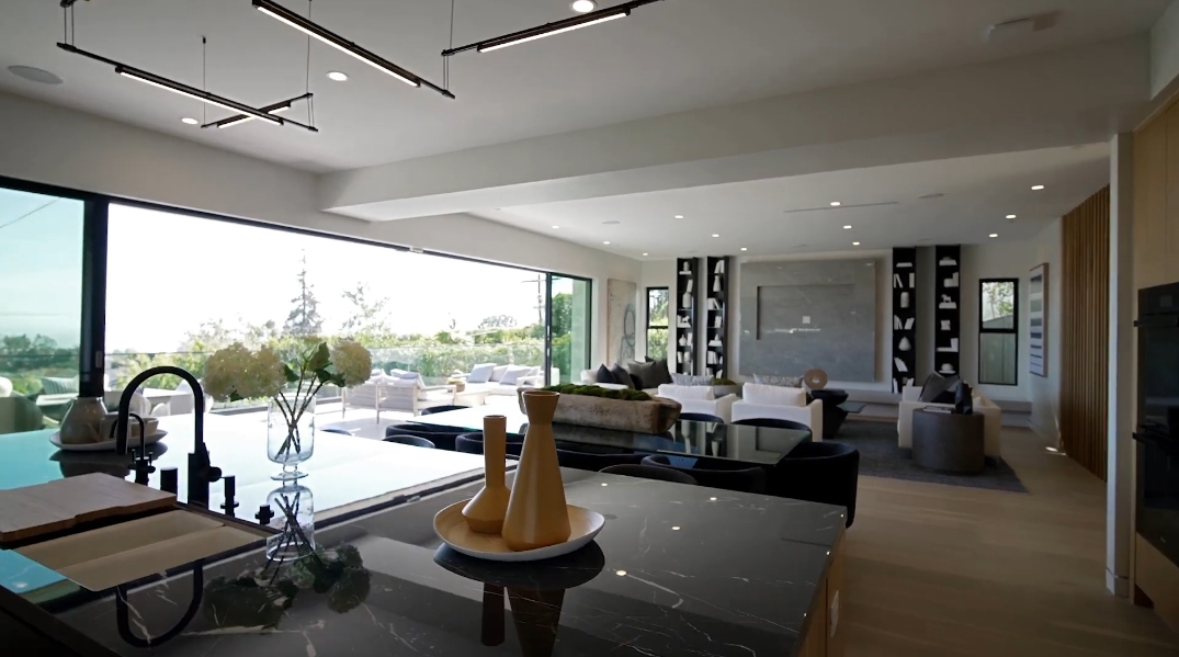 53 Photos vs. Tour 15312 Whitfield Ave, Pacific Palisades, CA Luxury Home Interior Design