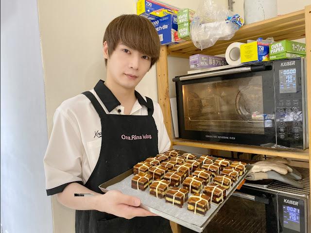 古曜威親做手工美味月餅,進爐烘烤!