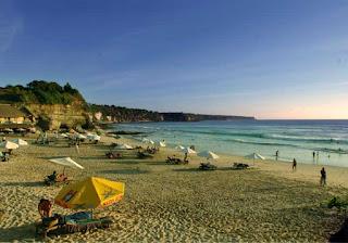 Pantai Dreamland di Bali yang Mempesona