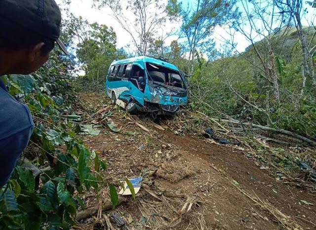 Sopir, Kecelakaan Minibus Di Pantan Terong Kabur, Polisi Masih Lakukan Pengejaran