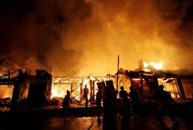 Kebakaran di Pusat Perbelanjaan Lokasari Berhasil Dipadamkan