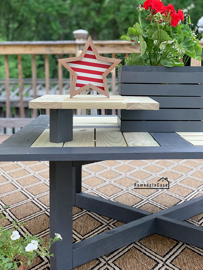 a charming table for your outdoor space