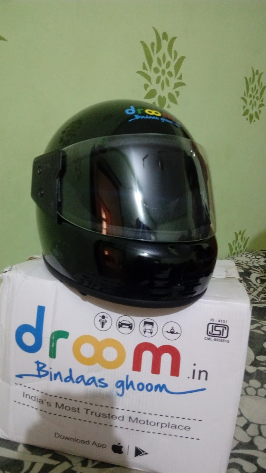 droom helmet flash sale get free helmet. Black Bedroom Furniture Sets. Home Design Ideas