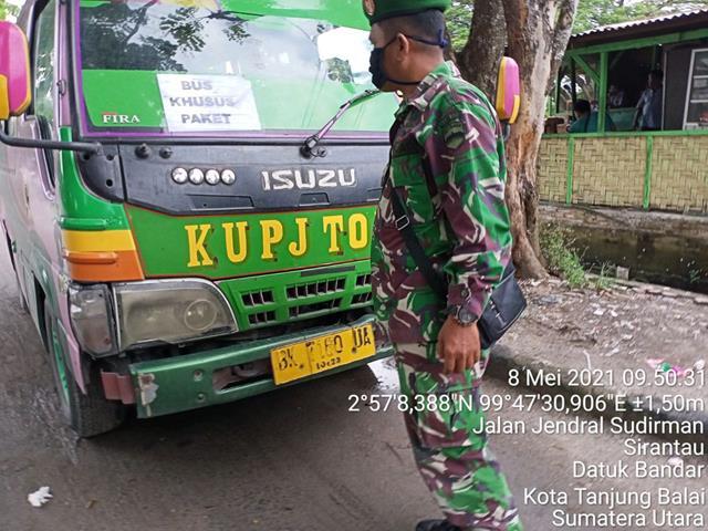 Dilarang Mudik, Personel Jajaran Kodim 0208/Asahan Lakukan Pemeriksaan Bus Yang Beroperasi
