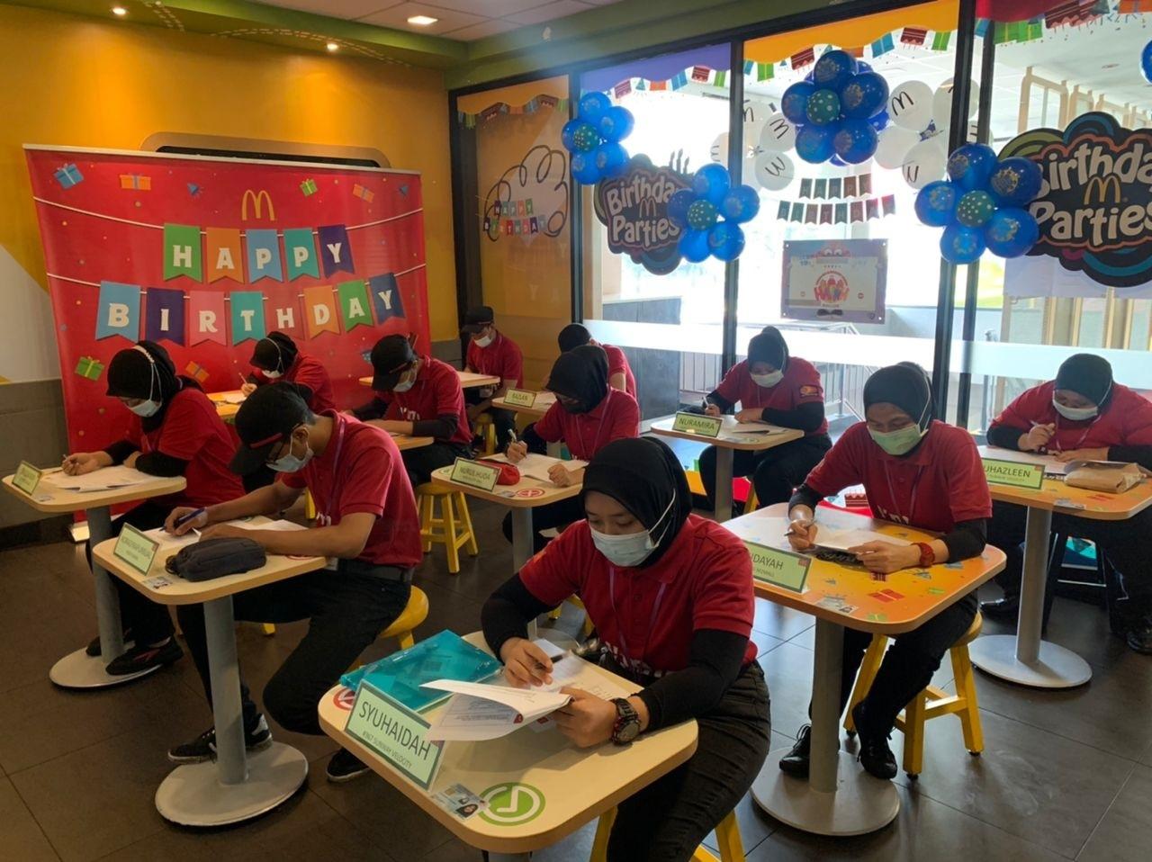 McDonald's Malaysia Sasar 10,000 Peluang Pekerjaan Buat Belia Menjelang 2026