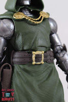 Marvel Legends Doctor Doom 07
