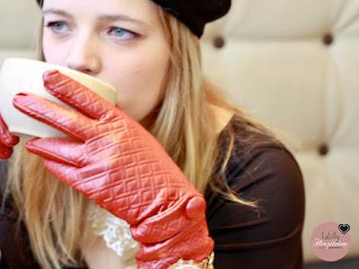 """Schneehase von """"die wilde Matrossel"""" selbstgenähte Fingerhandschuhe für Damen"""