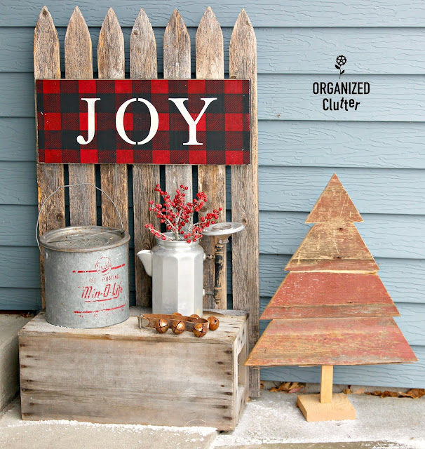 2018 Christmas DIY Decor Christmas Tour #stencils #oldsignstencils #upcycle #buffalocheck #rusticChristmas #ornaments #Christmasdecor