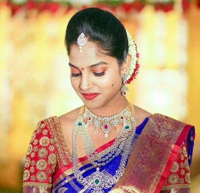 Brides in Simple Diamond Jewellery