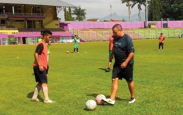 Carlos De Mello Resmi Jadi Pelatih PSGC