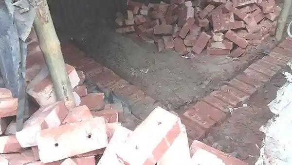 উল্লাপাড়া মন্দিরের জায়গা দখল করে ভবন নির্মাণের অভিযোগ