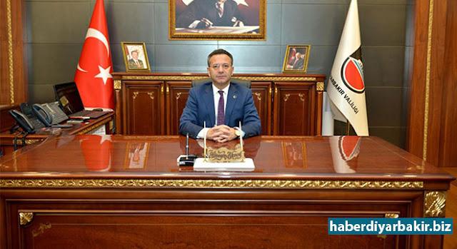 DİYARBAKIR-Diyarbakır Valisi Hüseyin Aksoy yapımı tamamlanan ve devam eden projeler hakkında açıklamalarda bulunarak, 288 Milyon 315 bin TL'lik 85 Proje tamamlandığı belirti.