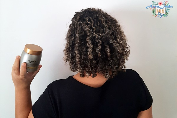 Resenha - Linha Força Vitamina Cabelos Cacheados