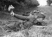 Боец с гоанатой Великая Отечественная война фото