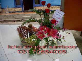 Karangan Bunga dan Buah Ucpan Semoga Lekas Sembuh