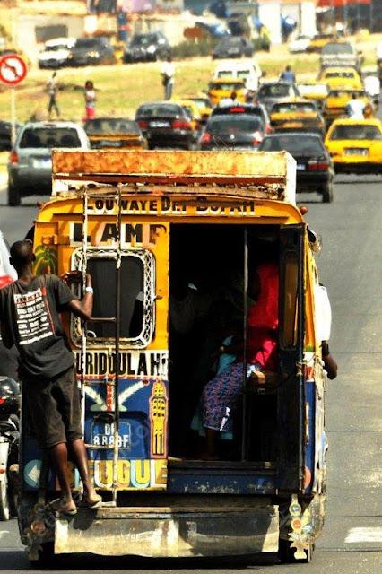 Apprenti, car, rapide, transport, commun, local, bas, prix, chauffeur, métier, LEUKSENEGAL, Dakar, Sénégal, Afrique