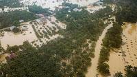 Penderitaan Warga Riau Yang Tak Kunjung Berakhir, Asap Ketika Kemarau Hingga Banjir Saat Hujan Tiba