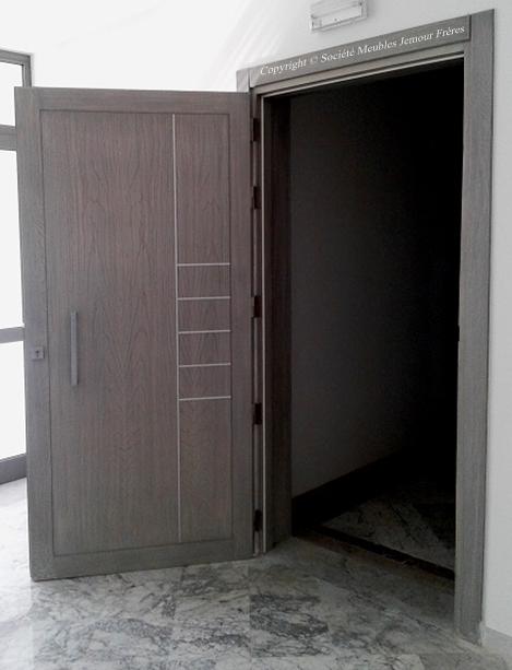 porte d 39 entr e pour appartement en bois noble fr ne. Black Bedroom Furniture Sets. Home Design Ideas