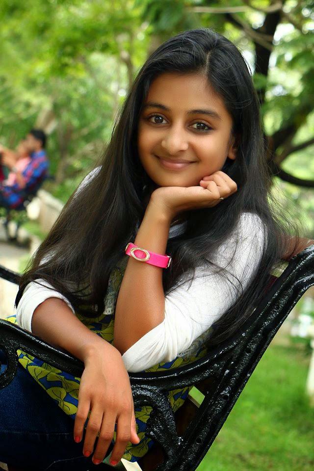 Cute Muslim Girl Wallpaper Urstruly Suresh Esther Anil Drusyam Fame