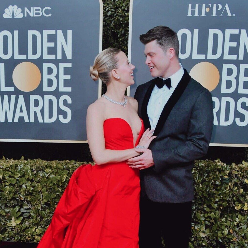 Scarlett Johansson and Fiancé Colin Jost Walk Golden Globes Red Carpet