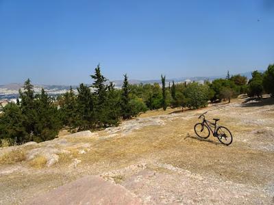 Βόλτα στον λόφο του Φιλοπάππου στην Αθήνα