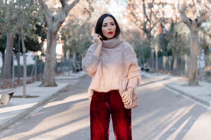 Streetstyle Ideas para un Look abrigado de fiesta pantalones de terciopelo y jersey de lana