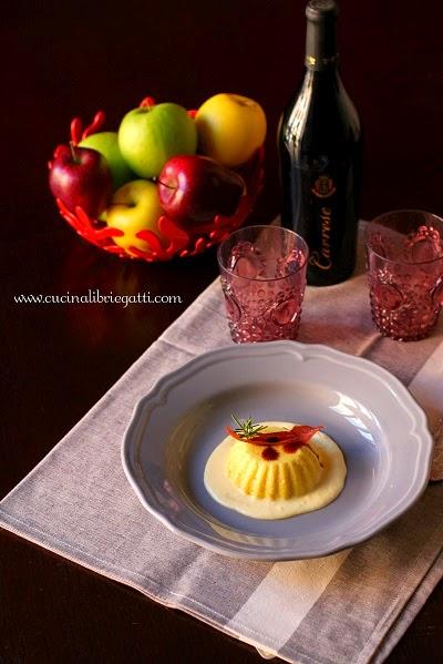 ricetta budino mele salato salsa al pecorino prosciutto croccante aceto balsamico