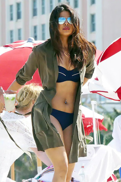 Actress Priyanka Chopra Cleavage and Navel Actress Trend