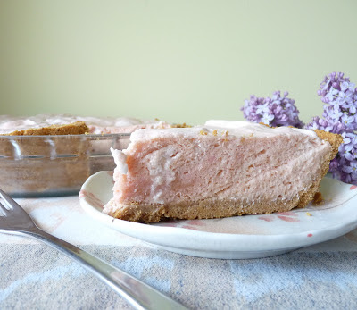Rhubarb Mousse Pie