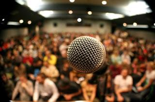 Persiapan dan Menentukan Topik Tujuan Berbicara di Depan Umum_
