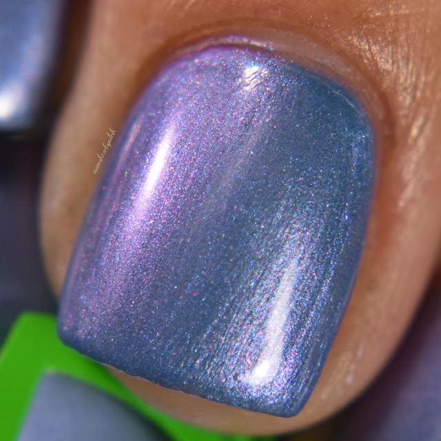 soothing-soul-nail-lacquers-island-breeze-3-macro
